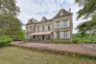 8 bed Detached Villa for sale in Autun, Saône-et-Loire...