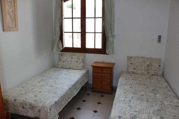 medium_5981_lovely_spanish_traditional_beachside_house_tn_img_4336.jpg