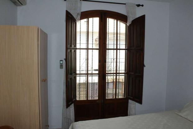 medium_5981_lovely_spanish_traditional_beachside_house_tn_img_4341.jpg