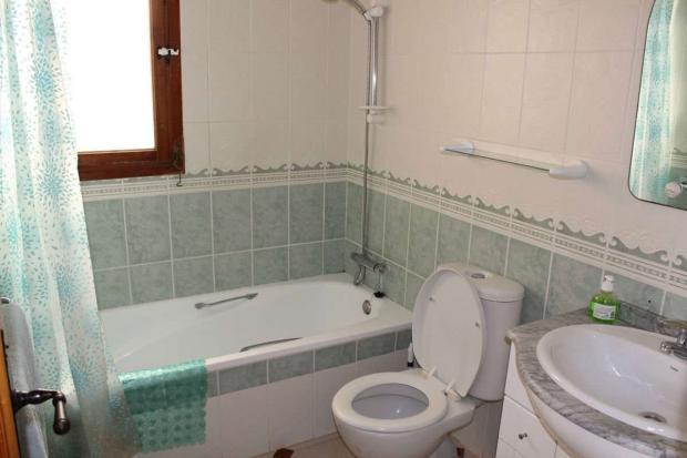medium_5981_lovely_spanish_traditional_beachside_house_tn_img_4334.jpg