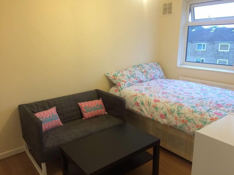 Hackney Room1.jpg