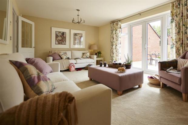 TW NMids_Hugesleath Place_Bridgnorth_PA43_Monkford_Lounge