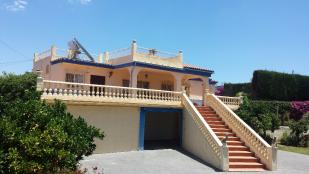 Detached Villa for sale in Alhaur�n de la Torre...