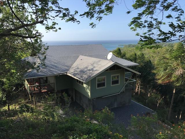 Islas de la Bahía property
