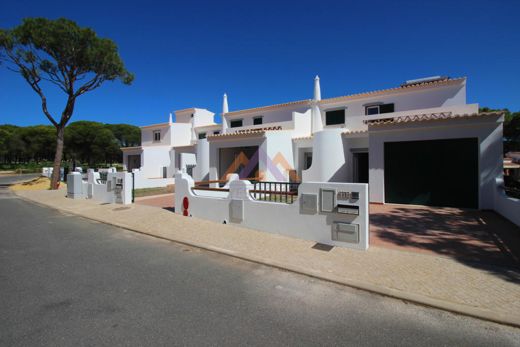 Town House for sale in Algarve, Quarteira