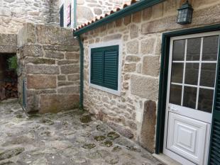 Stone House in Castanheira, Beira Alta