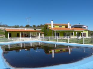 Village House in Trancoso, Beira Alta
