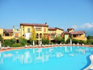 2 bed Apartment for sale in Manerba Del Garda...
