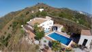 Villa for sale in Sayalonga, Malaga, Spain