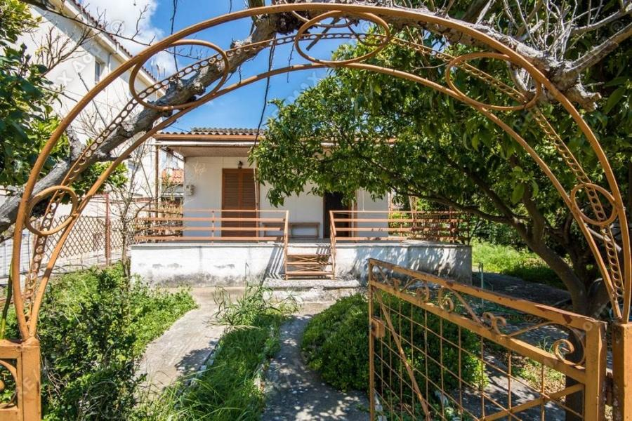Detached house for sale in Velanidia, N. Magnisias...