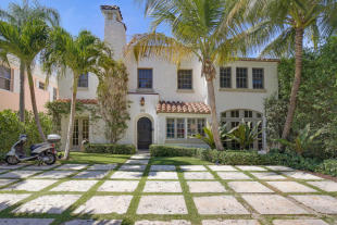 5 bedroom Detached home in West Palm Beach...