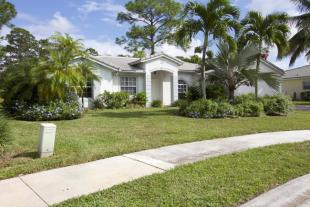 3 bed Detached home in Royal Palm Beach...