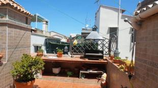 For Terraced house for sale