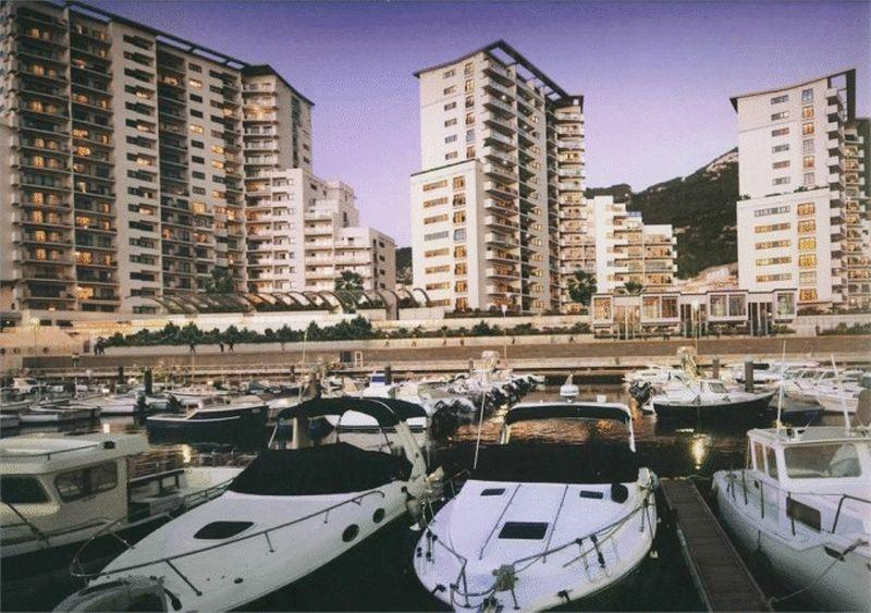 Flat for sale in Quay 29, Gibraltar