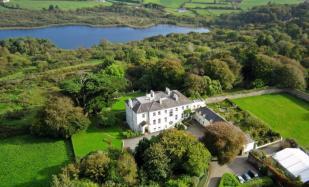 Detached property in Skibbereen, Cork