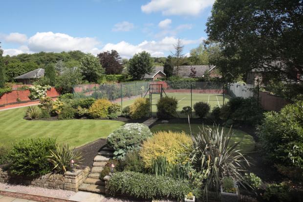 Garden & Tennis Cour