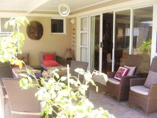 5 bedroom Detached home for sale in Bloubergstrand...