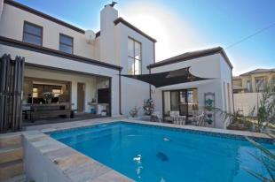 Bloubergstrand Detached house for sale