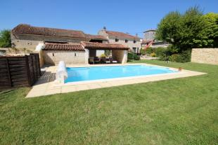 4 bed property for sale in Ventouse...