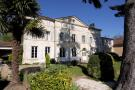 8 bed home in St Meme Les Carrieres...