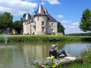 Castle in Lurcy-Lévis, Allier...
