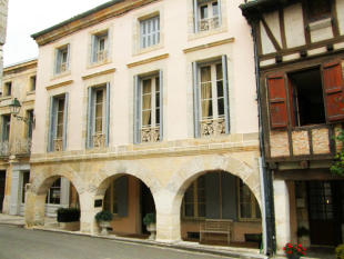 4 bedroom Character Property in Beauville...