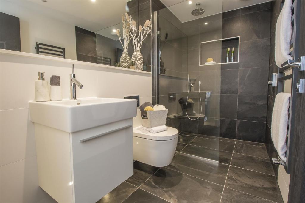 Amirez Developments,Bathroom