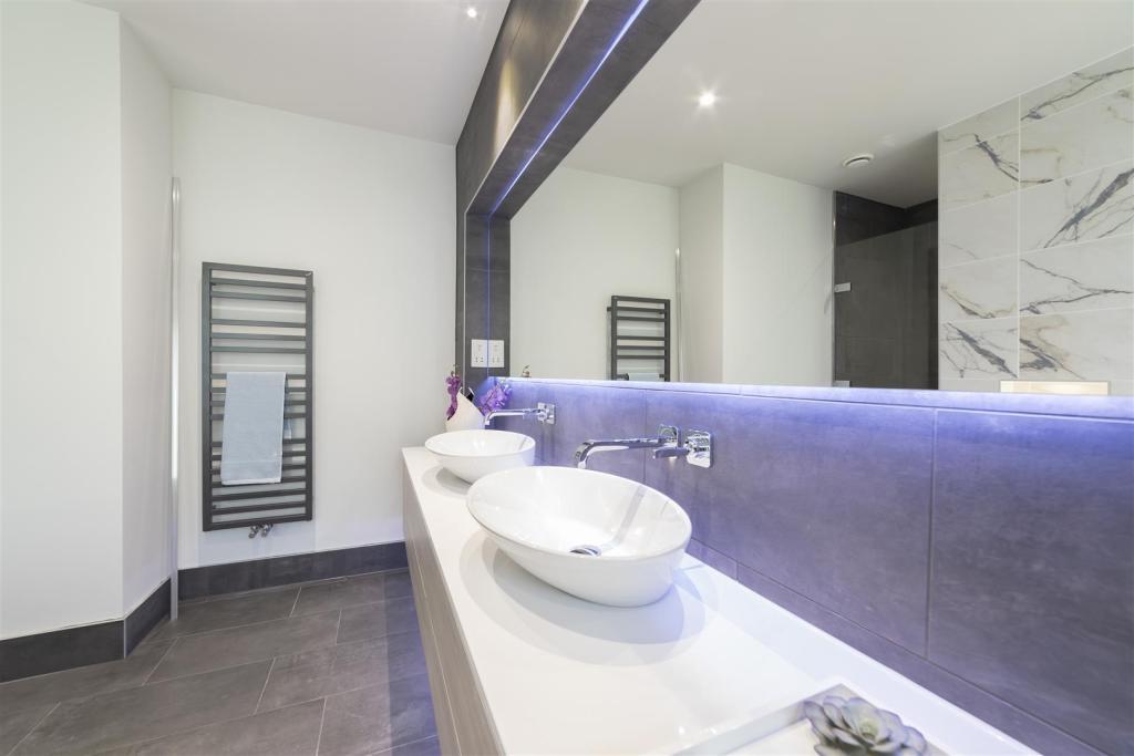 Spetisbury Construction,Bathroom detail