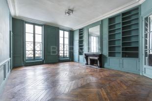 4 bedroom Apartment in PARIS , France