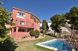 Benalmádena Detached Villa for sale