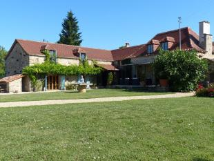 4 bed Detached home in St-Projet...