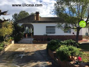 Villa for sale in Vilamarxant, Valencia...