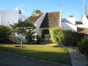 3 bed semi detached house for sale in Sotomar, Sotogrande...