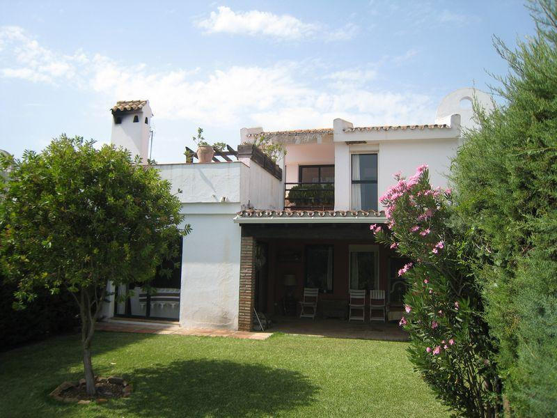 4 bed Town House in Sotomar, Sotogrande...
