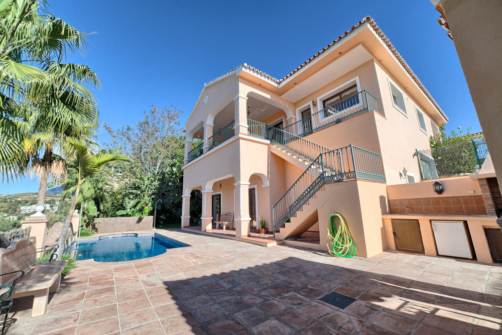 Villa for sale in Benahavís, Málaga...