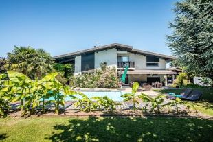 Villa in PUBLIER , France
