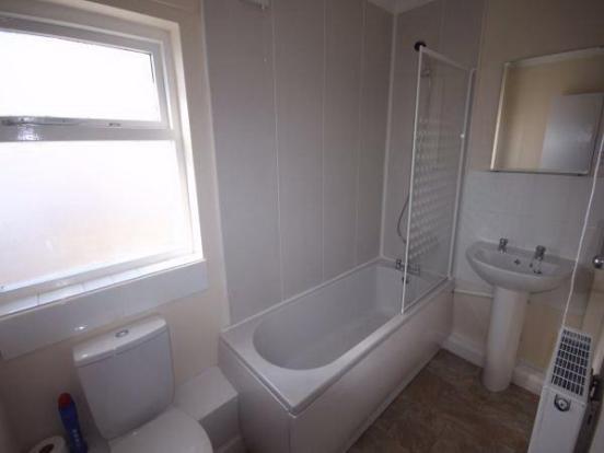 Modern Bathroom Sui