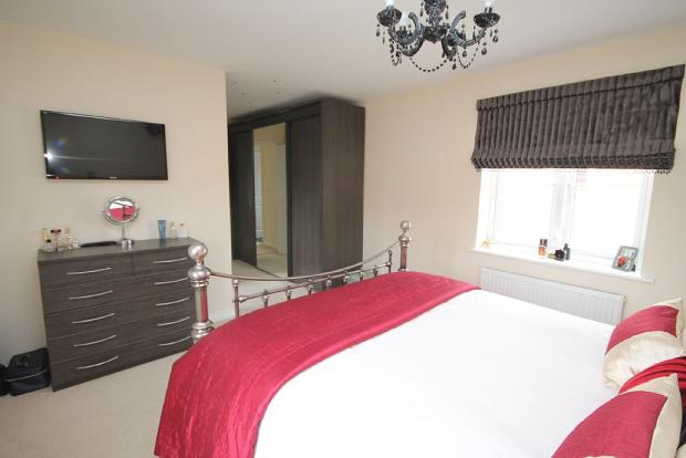 Master Bedroom/dressing area