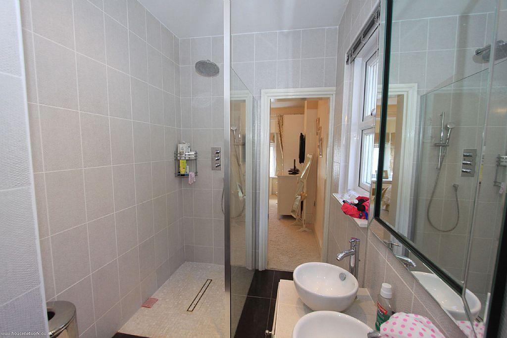 Ensuite Bathroom Ideas Grey : En suite design ideas photos inspiration rightmove