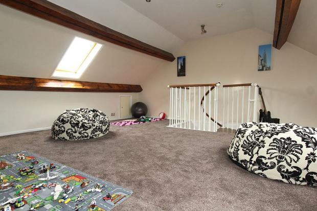 Loft Room/5th bedroom