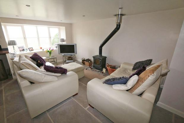Cottage Lounge/Kitchen