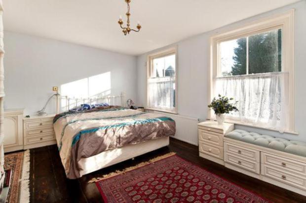 bedroom..jpg