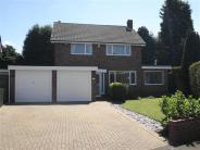 Detached home in Greenway Drive...