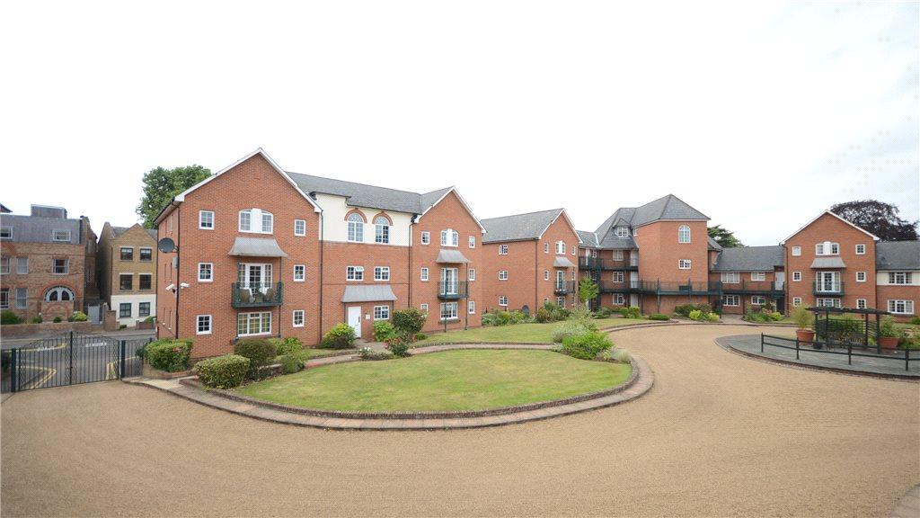 2 Bedroom Apartment For Sale In Knights Place St Leonards Road Windsor Sl4