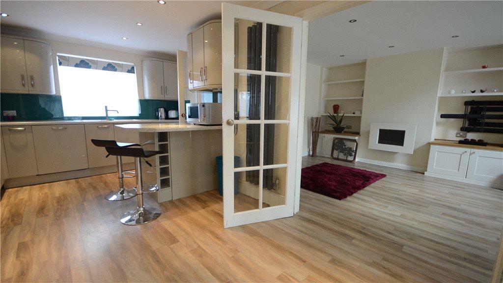 Kitchen/Lounge 2