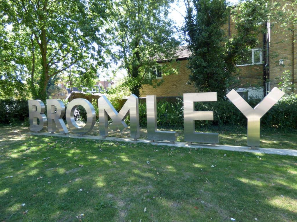 Bromley Sign