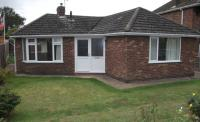2 bed Detached Bungalow in Hawthorn Avenue...