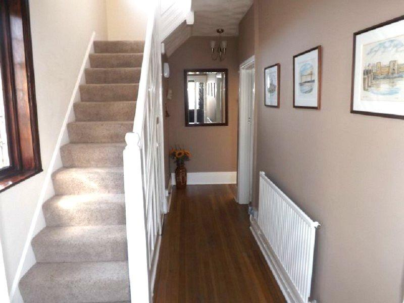 3 bedroom semi detached house for sale in heather road st for Kitchen ideas 3 bed semi