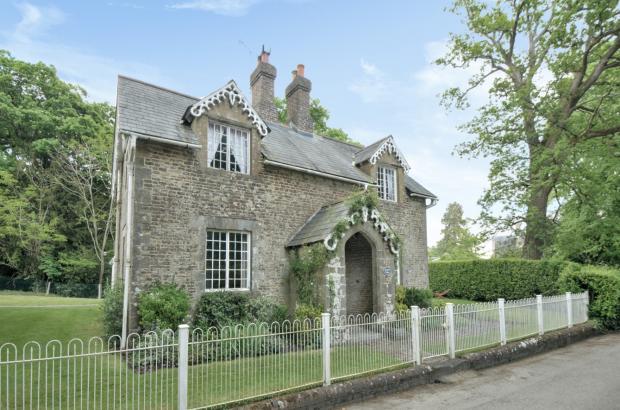 Brookhill Cottage (M