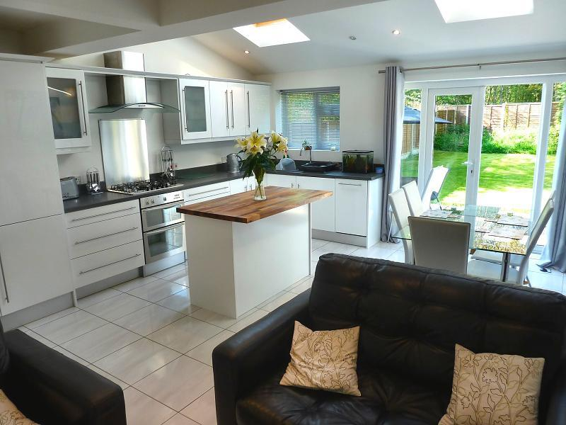 3 bedroom semi detached house for sale in argyll road for Kitchen ideas 3 bed semi